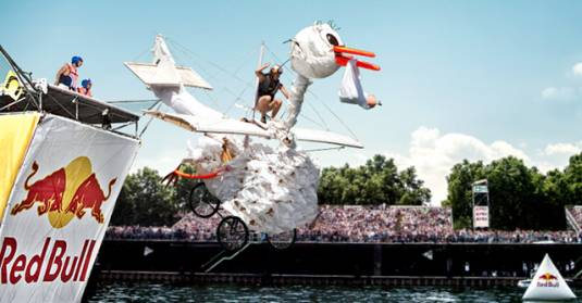Red Bull Flugtag - в это воскресенье!